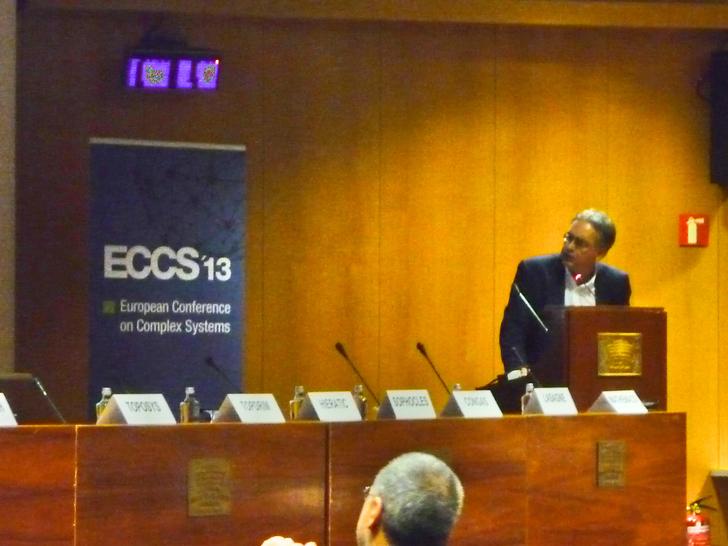Marco Pettini presenting Topdrim at ECCS13